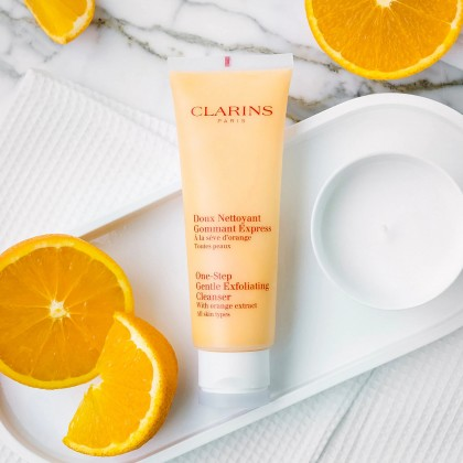 Clarins One Step Gentle Exfoliating Cleanser 125ml (With Free Gift)